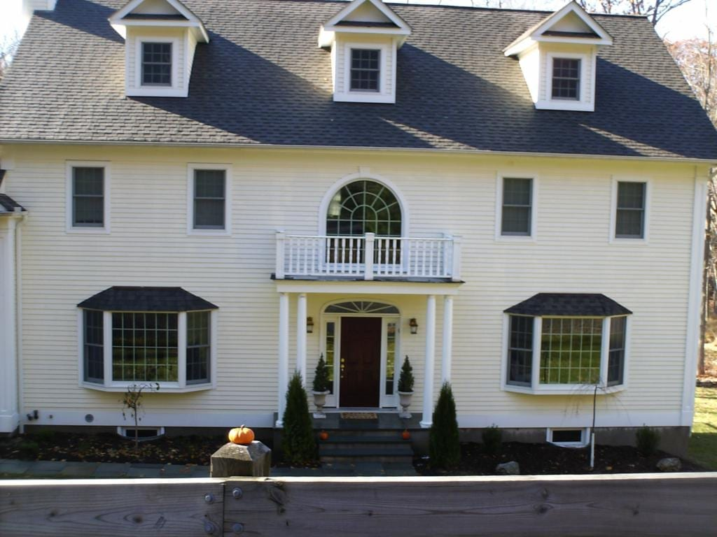 white plains home values, roof shampoo, roof cleaning, roof washing, power washing, pressure washing, power washing, ny, clean exterior houses, homes, residential pressure washing co